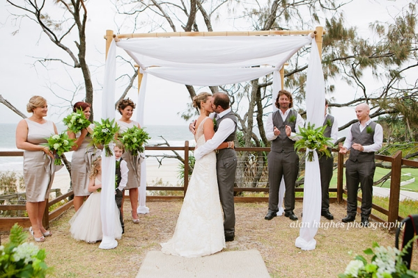 b2ap3_thumbnail_Sunshine_Coast_Wedding_Photographers_34.jpg