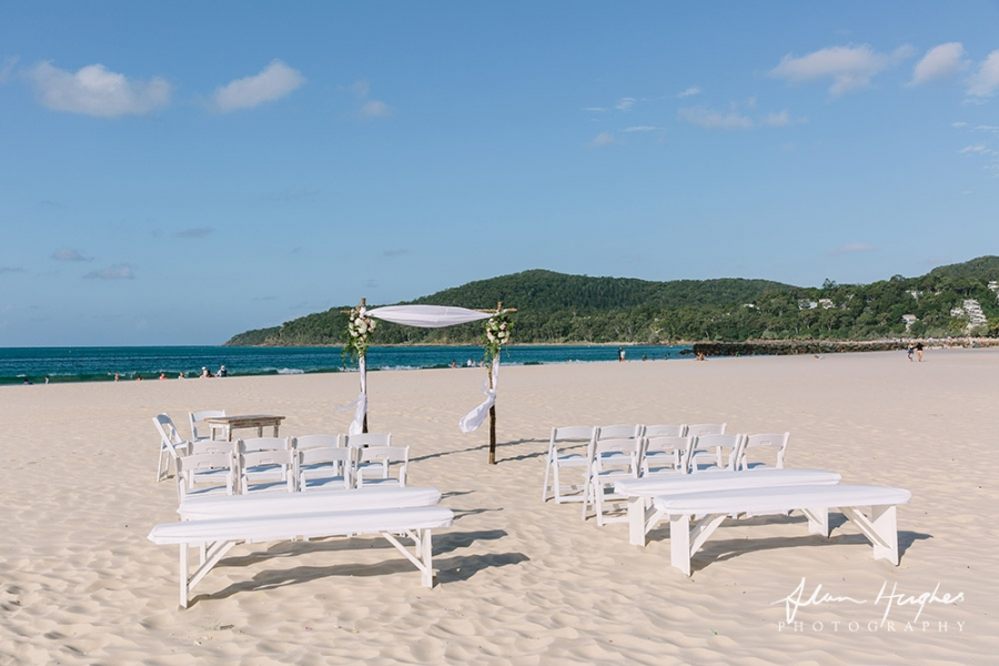 b2ap3_thumbnail_beach_setup_Wedding_Photographer_Noosa_18.jpg
